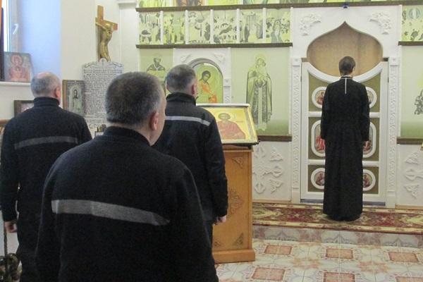 В день памяти святой великомученицы Варвары, в ИК – 8 УФСИН России по Ярославской области состоялась Божественная литургия.